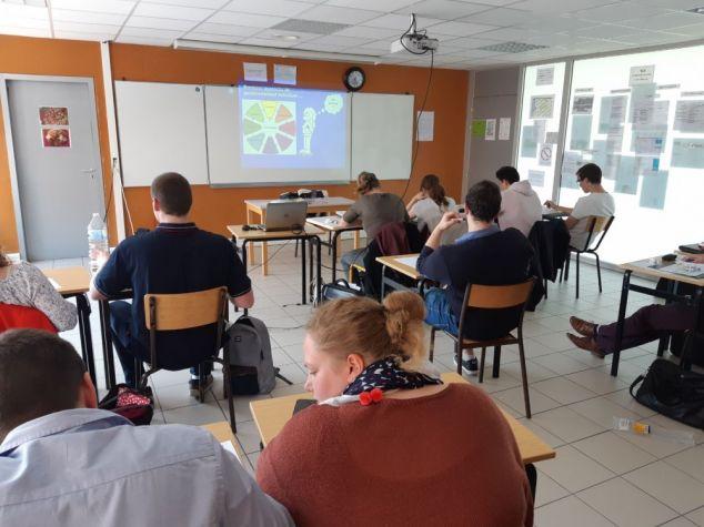 L'APECITA Hauts de France est intervenue pour une aide aux techniques de recherche d'emploi au lycée Sainte Colette de Corbie